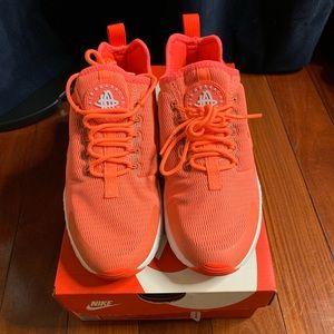 Nike Air Huarache Run Ultra Bright Mango White Sz5